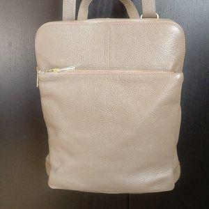 🇨🇦 NWT Giulia Monti leather backpack